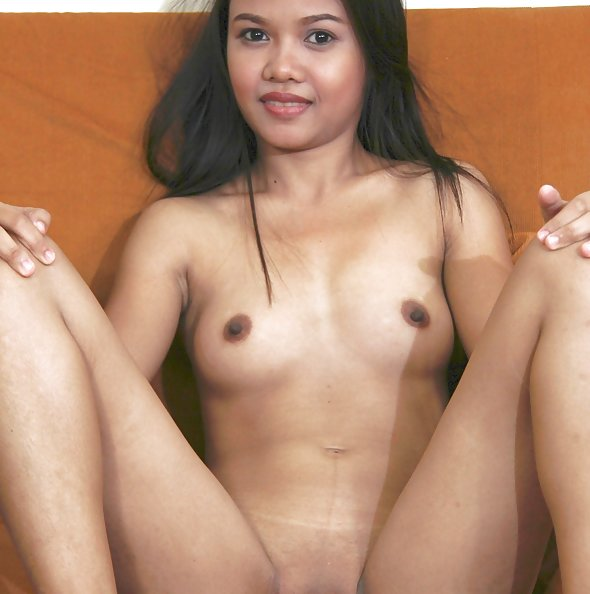 Cute filipina does the nude casting couch